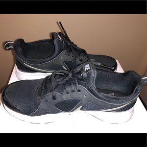 NIKE Comfort Footbed Sneakers